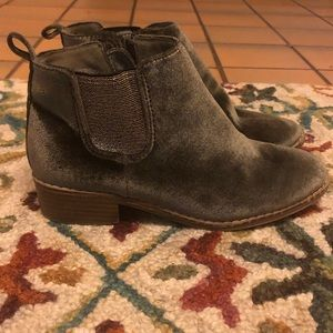Girl's ankle booties size 3